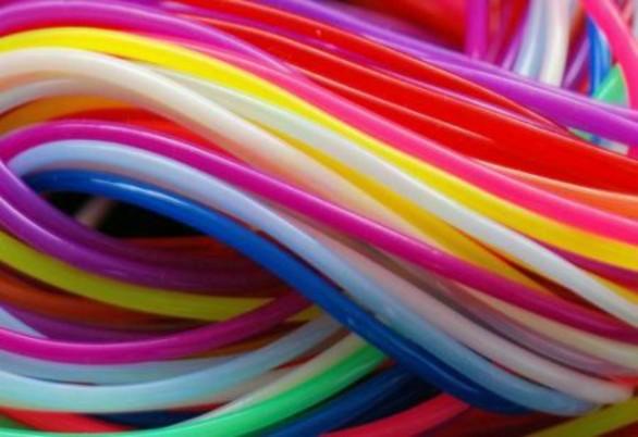 fili-colorati-586x402